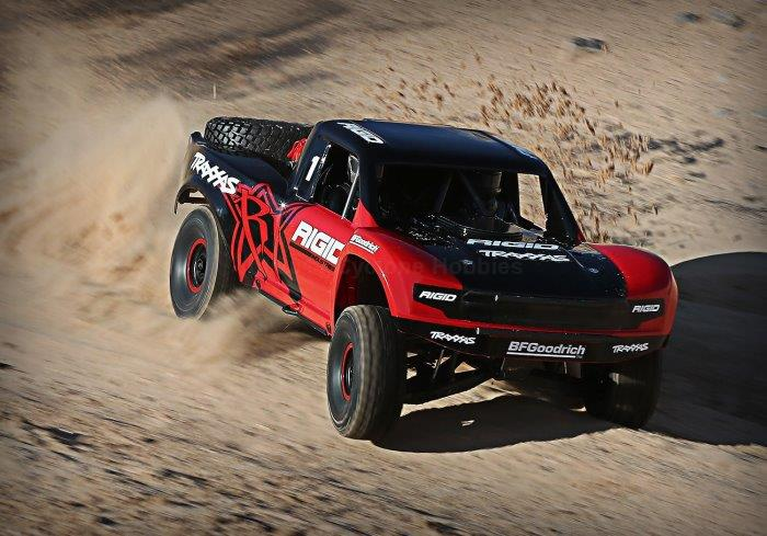 Traxxas Unlimited Desert Racer: 4WD Electric Race Truck with TQi and TSM  (TRA850764)
